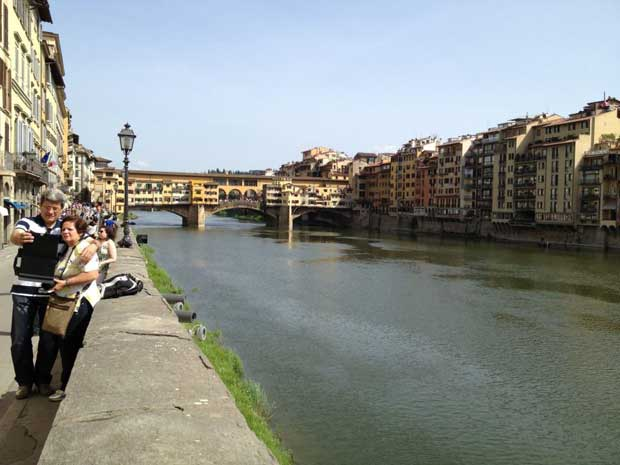 Vista do Rio Arno com a Ponte Vecchio ao fundo