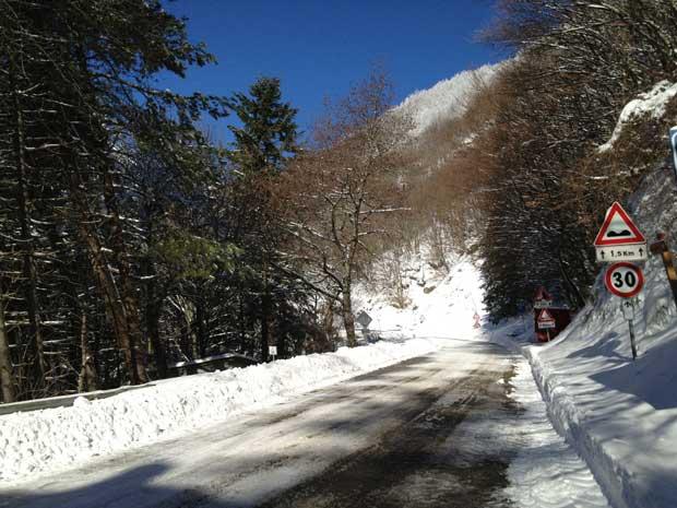 Mas também pode ser que você encontre trechos com neve como aqui