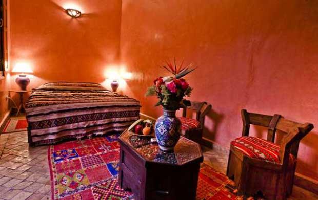 A calorosa decoração marroquina do