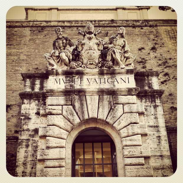 """Porta de saída """"Musei Vaticani"""""""