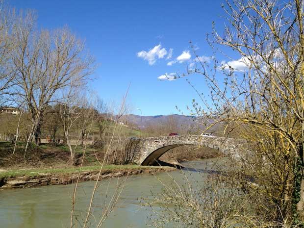 Ponte al Vicchio: do lado direito desta ponte está a Tratoria