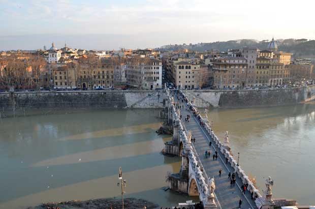O Rio Tibre em Roma