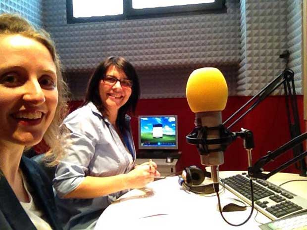 """Barbara Bueno (eu) e a Beatriz Altimari Olivati durante """"Coração Brasileiro"""" da Radio Fiesole"""