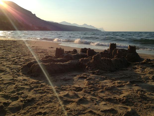 O castelo de areia em homenagem a Gaia, minha filhota