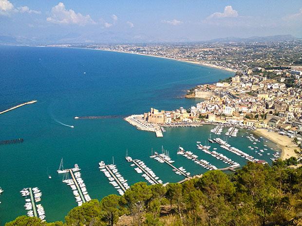Vista panorâmica de Castellammare del Golfo na Sicília