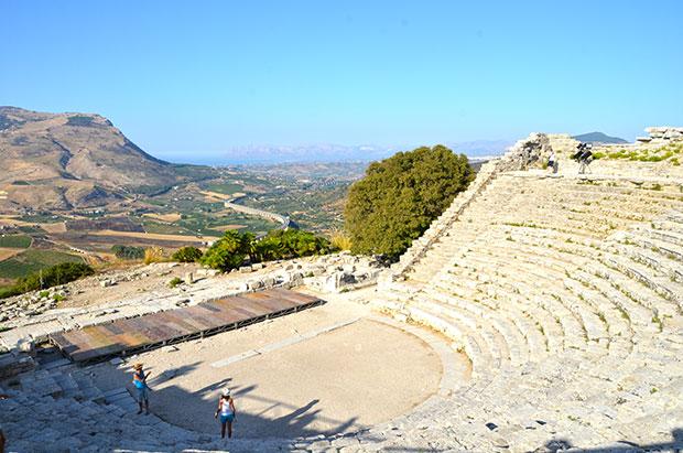 O teatro de Segesta: hoje é palco de espetáculos na Sicília