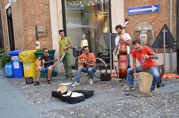"O grupo ""Woody Gipsy"" no Ferrara Buskers Festival"