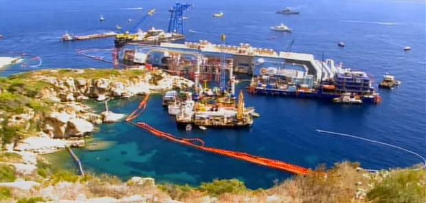 Costa Concordia: retirada no navio da ilha do Giglio