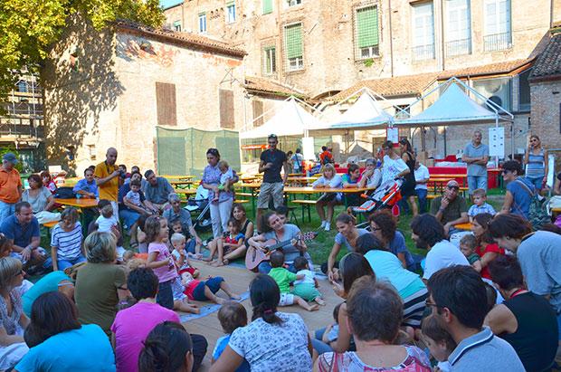 Music Together no Giardino delle Duchesse, durante o Ferrara Busker Festival