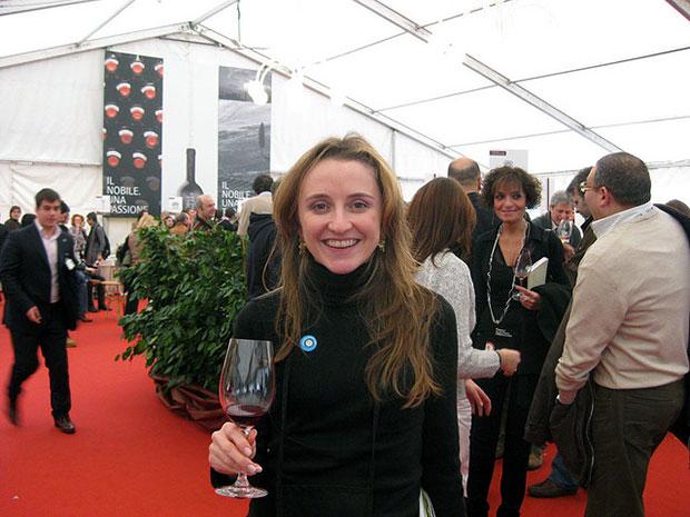Eu (Barbara Bueno) durante uma degustação em Montepulciano