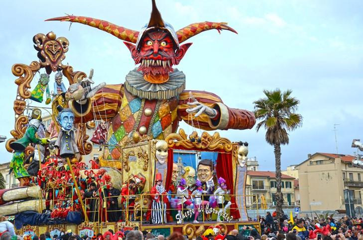 2014_carnaval_de_viareggio_017