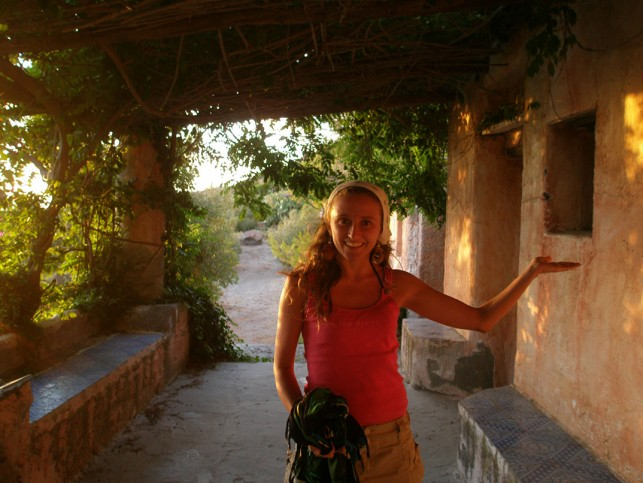 Eu no terraço da casa do poeta, em Salina