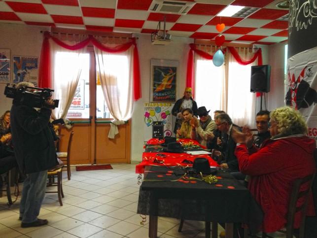 Encontro com a imprensa na Osteria di Burlamacco