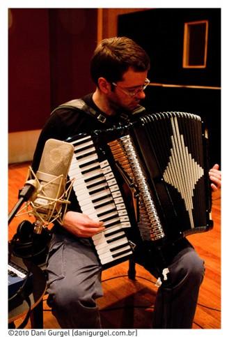 Guilherme Ribeiro: aula de música brasileira e acordeon
