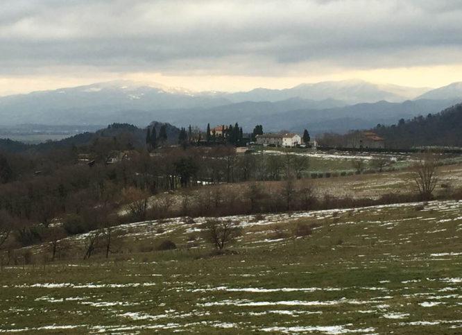 Para o alto e avante:  subindo o Passo della Futa na Toscana para ver neve