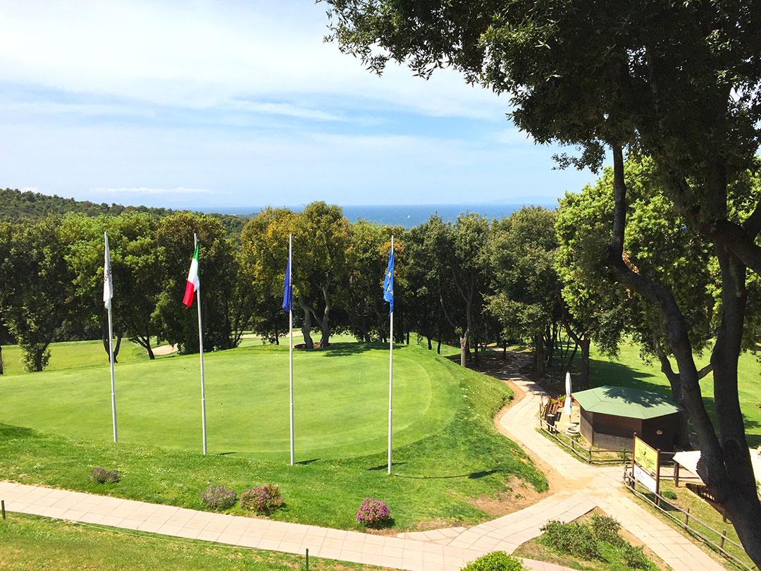 Vista da Club House do Golf Club Punta Ala na Toscana