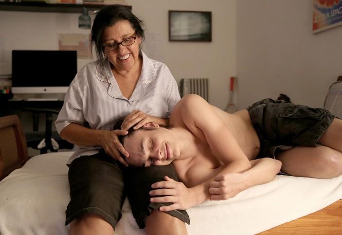 """Cena de """"Que horas ela volta"""" - um dos destaques da programação do Bari Brasil Film Fest"""