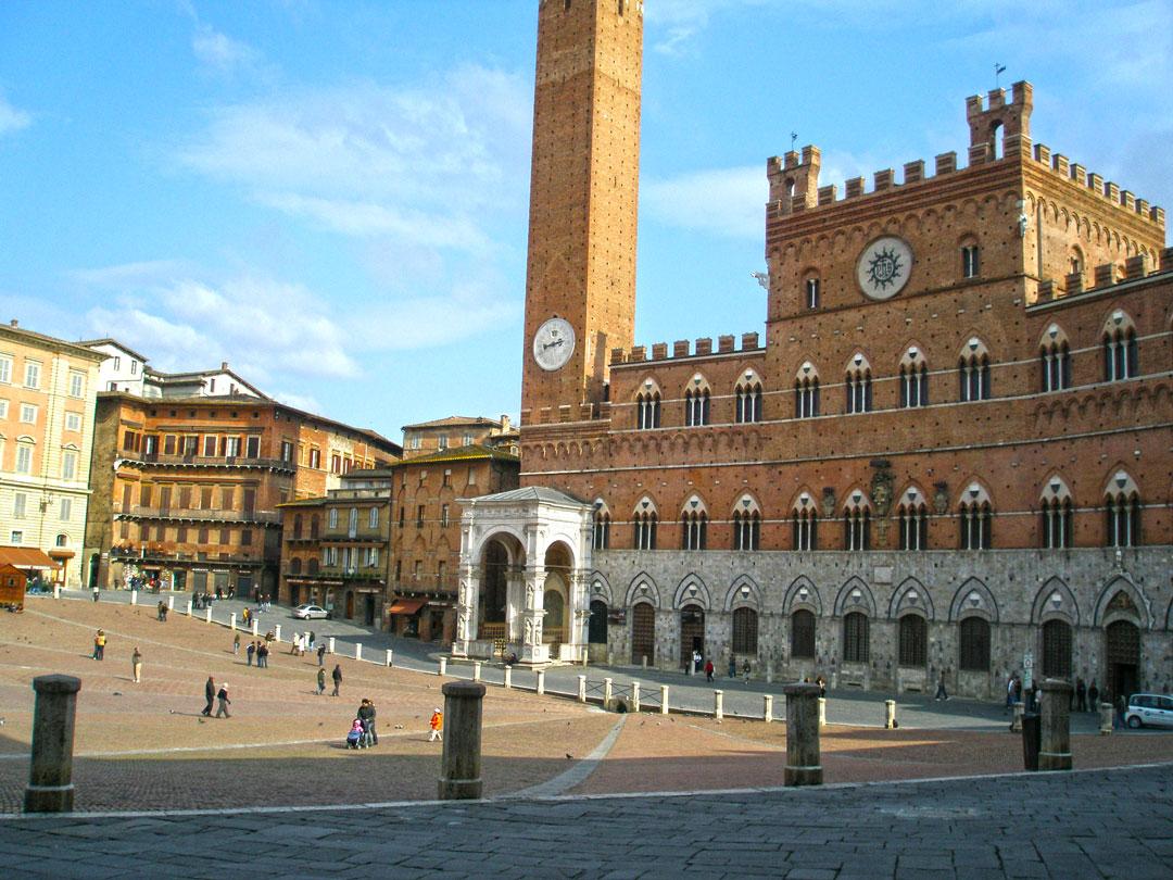 Informa es sobre siena a melhor poca como chegar e o for Be italia